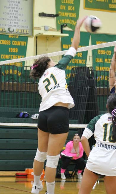 Lynbrook+Volleyball+Continues+to+Dominate