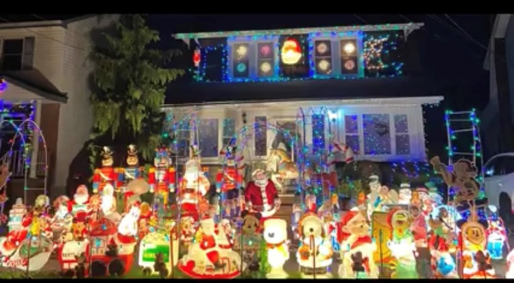 """The """"Overall Favorite"""" category winner was the Renz family from 177 Davison Avenue"""